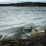 Ice breaking on Lake Nipissing, as seen from the Coastal Trail during a Mashkinonje Day hike.
