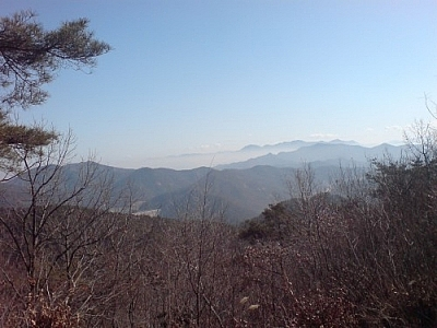 The kindness of strangers in South Korea saved me after hiking Seonunsan, where I photographed this lovely landscape.