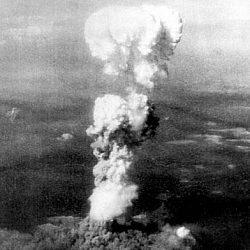 Black and white image of the large cloud of smoke that formed over Hiroshima after the atomic bomb was dropped.
