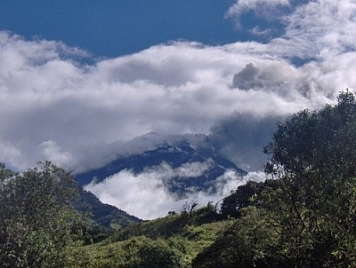 Lovely high-altitude view of the countryside while hiking in Baños.