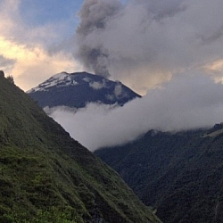 Smoke seen to be rising from Volcan Tungurahua while hiking in Baños.