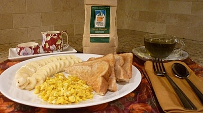 Happy Camper by Boreal Forest Teas, scrambled eggs, sliced banana, and toast: a perfect breakfast!
