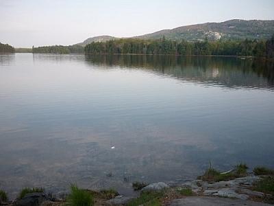 Clear lake waters of Killarney's La Cloche Silhouette loop trail.