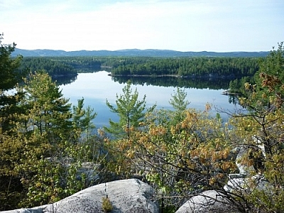 Hiking the La Cloche Silhouette Trail rewards backpackers with amazing scenery!