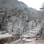 Hiking in a ravine at Bogyeongsa County Park.