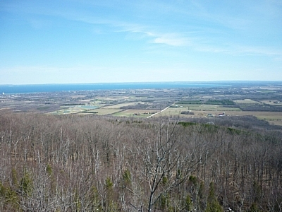 Lovely scenery while hiking at Pretty River Valley and Nottawasaga Lookout while exploring the Bruce Trail.