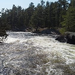 Strong current at Five Finger Rapids.