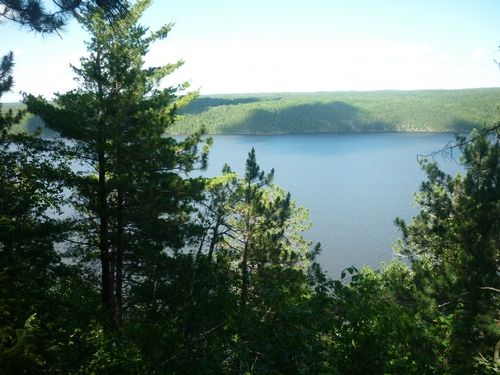 View over Lake Temiskaming while hiking the Grand Campment-Nagle loop trail.
